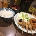串揚げ処 味串 - 串5本と牡蠣3個