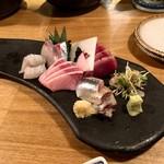 夜ノ焼魚 ちょーちょむすび - 料理写真:お造り3点盛!!!サービスで5点盛!!!!!