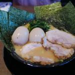 横浜家系ラーメン 太田商店 - MAXラーメン