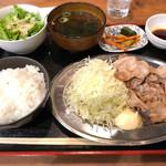 京都ホルモン 梅しん - 南国フルーツポークの豚バラ定食