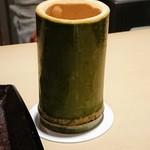 いはら田 - 冷酒は竹筒で提供