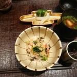 いはら田 - 食事はカニとしば漬けの土鍋ご飯、焼き湯葉の味噌汁、香の物は胡瓜と大根のぬか漬け、昆布の佃煮。