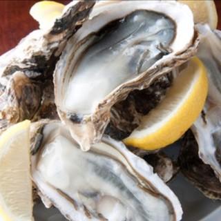 厚岸産牡蠣を堪能あれ♩生カキ150円、焼き・蒸しは180円