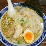 麺家 くさび - 濃厚こってり熟成中華麺