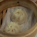 西楼厨 - 小籠包は、セットにすると杏仁豆腐と提供されます。