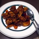蜀味苑 - 酢豚とパイナップルの黒酢炒め