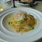 99541110 - 秋鮭のペペロンチーノ