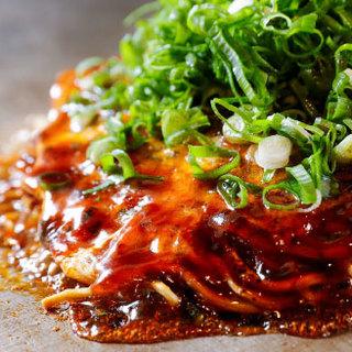 広島の復興とともに育った、歴史あるお好み焼き店です