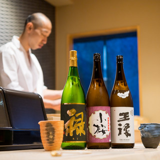 そっと寄り添う、寿司の名脇役【日本酒】
