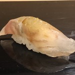 鮨 そえ島 - 平目・昆布〆・・熟成度もよく美味。