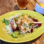 ラグー & ウィスキーハウス - ボロネーゼに付いたサラダ