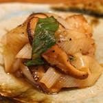 東白庵かりべ - 鴨と九条葱と椎茸の炒めもの