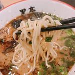 熊本ラーメン 黒亭 - 麺