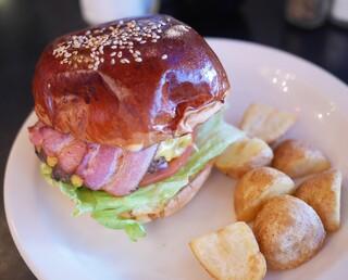 ザ グレートバーガー - ザ グレート和牛ベーコンチーズバーガー