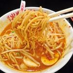 博多火炎辛麺 赤神 - 赤神 3倍辛 麺リフト