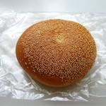 ケーキアンドブレッド プー - こしあんパン