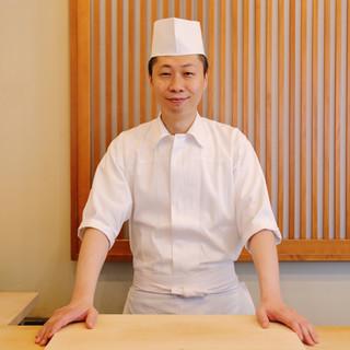 山田英貴氏(ヤマダヒデタカ)─確かな技と心遣いで客をもてなす