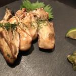 99562430 - 牡蠣の昆布締め炭火焼き@900円                       美味し(^^)