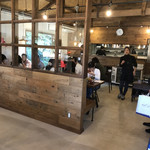 くるまえびキッチンTAMAYA - 店内の雰囲気