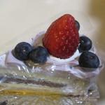 ナイトー洋菓子店 - 料理写真:ブルーベリー