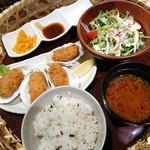 御園小町 - カキフライ定食(972円)