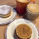 FLIPPER'S - パンケーキパイ 上がプレーン 下がショコラ