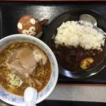 大門 - 料理写真:醤油ラーメン・黒カレーミニのセット