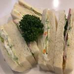 喫茶まりも - ハムきゅうりとポテサラのサンドイッチ…