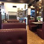 喫茶まりも - 店内… お昼時には満席ですよ…