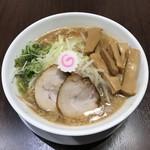 中華そば 味万 - 料理写真:味噌中華800円