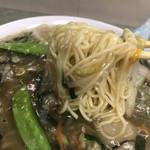 南京亭 - 麺は細麺