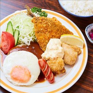 お腹いっぱい!大人様定食980円