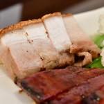 錦福 香港美食 - 【香港式焼物3種盛りセット@1,300円】皮付き豚バラ肉の焼き物