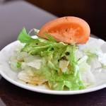 錦福 香港美食 - 【香港式焼物3種盛りセット@1,300円】サラダ