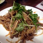 唐朝刀削麺 - 豚ガツの冷菜マーラーソース