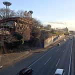 ハングリータイガー - 横浜新道沿いに見る佇まい
