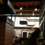 ハングリータイガー - 待合室から見た店内