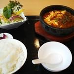 中国料理 紫微星 - 料理写真:石焼麻婆豆腐定食