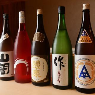夜は厳選して仕入れた日本酒とビールとお酒にあうアテを♪