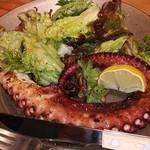 AOZORA - 蛸の炭火焼きと葉野菜