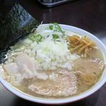 手打ち中華そば 酒田 - 料理写真:ラーメン小200g650円、玉ねぎ80円