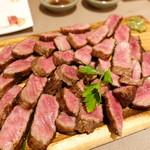肉ya! - 特選和牛からの贈り物 和牛甘味あるモモのレアステーキ
