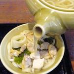 99639376 - 竹島うどん(別皿に移して食べる)