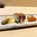 99639837 - 穴子鮨、からすみ、子持ち鮎の甘露煮、ゆり根の胡麻和え、むかご