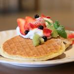 レストラン オミ - 料理写真:薔薇のパンケーキ