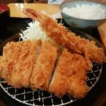 かつ壱番屋 - ロースカツ&海老フライ定食