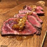 肉バルサンダー - サーヴィスの国産牛もも肉のカルパッチョ