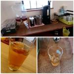 台湾料理 味源 - ドリンクコーナーからウーロン茶を持ってきます!