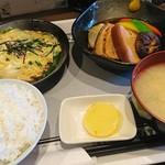 はく - 料理写真:角煮定食850円