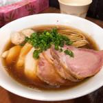 99664143 - 特製 芳醇醤油鶏そば(並) 1,010円